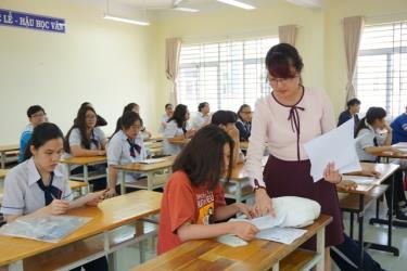 Kỳ thi trung học phổ thông quốc gia năm 2020 sẽ diễn ra từ ngày 8 đến 11-8, chậm lại gần 2 tháng so với mọi năm, do ảnh hưởng của dịch Covid-19.