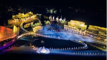 Áo dài được biểu diễn tại sân khấu thực cảnh Ký ức Hội An rộng 25.000m2.