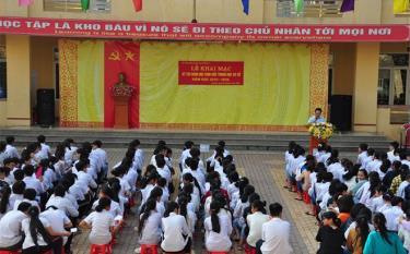Quang cảnh khai mạc kỳ thi tại Trường THCS Quang Trung, thành phố Yên Bái.