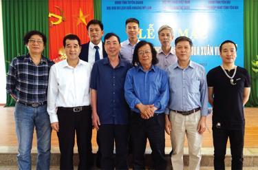 Các họa sĩ Yên Bái tham dự trại sáng tác tại tỉnh Tuyên Quang.