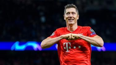 Lewandowski hay nhất Bundesliga mùa này.
