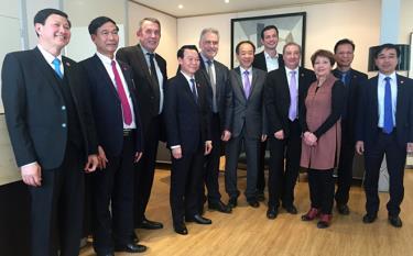 Đồng chí Đỗ Đức Duy - Phó Bí thư Tỉnh ủy, Chủ tịch UBND tỉnh thăm và làm việc tại tỉnh Val de Marne (Cộng hòa Pháp).