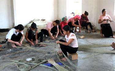 Vocational training and job generation are one of the effective solutions to promote gender equality among rural women.