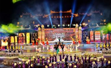 Sau 8 lần tổ chức, Festival Nghề truyền thống Huế 2021 ghi dấu ấn là lễ hội đặc sắc, có chất lượng, đậm đà bản sắc Huế.