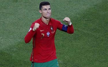 Ronaldo thiết lập cột mốc ấn tượng sau trận đấu với Pháp.