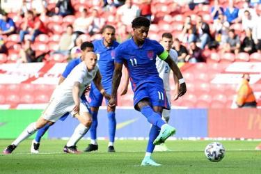 Marcus Rasford là cầu thủ đá phạt đền rất tốt và theo các chuyên gia, anh đủ sức lĩnh trọng trách đá quả luân lưu thứ 5 nếu tuyển Anh phải phân định thắng thua với Đức ở chấm 11m.