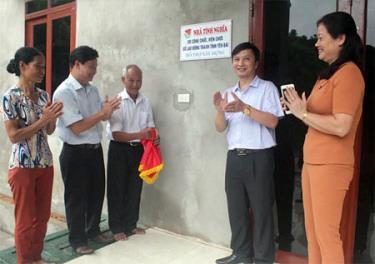 Lễ khánh thành nhà tình nghĩa cho thưong binh Nguyễn Duy Hưng
