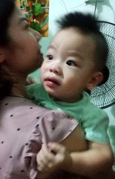 Cháu bé bị bỏ rơi đang được chăm sóc tại Trung tâm Công tác xã hội và Bảo trợ xã hội tỉnh Yên Bái