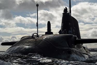 Tàu ngầm Anh.