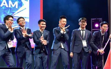 Đội tuyển học sinh Việt Nam tham dự kỳ thi Olympic Toán quốc tế năm 2019.