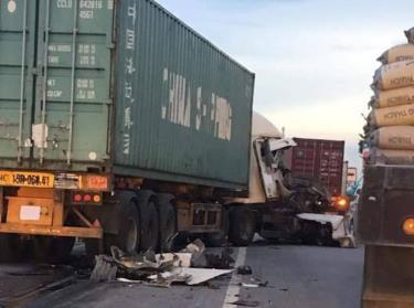 Hiện trường vụ tai nạn chỉ cách điểm xảy ra vụ tai nạn chết 5 người hôm qua khoảng 1km.