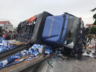 Hiện trường vụ tai nạn giao thông trên QL5 đoạn qua tỉnh Hải Dương.