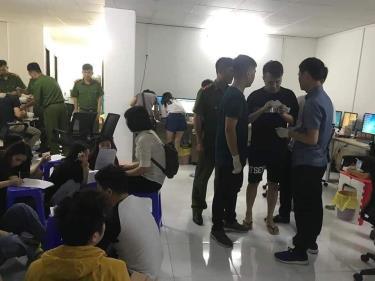 Lực lượng chức năng Việt Nam bắt giữ gần 400 đối tượng người Trung Quốc điều hành đường dây đánh bạc tại khu đô thị Our city tại Hải Phòng