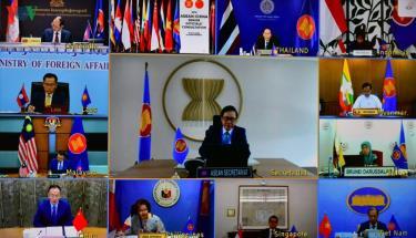Các đại biểu tham dự cuộc họp trực tuyến.
