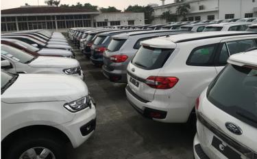 Theo Tổng cục Hải quan, lượng ô tô nhập về trong tháng 6-2020 chỉ bằng 44,5% so với tháng trước.