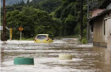 Mực nước mưa ở vùng Amakusa, tỉnh Kumamoto đã dâng lên tới 98ml/giờ.