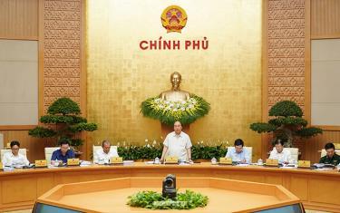Thủ tướng Nguyễn Xuân Phúc cùng các Phó Thủ tướng chủ trì họp Chính phủ thường kỳ tháng 4/2019