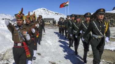 Ấn Độ và Trung Quốc đã đồng ý rút quân khỏi khu vực biên giới tranh chấp trong nỗ lực hạn chế các cuộc đụng độ bạo lực.
