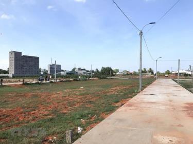 Khu vực đất phân lô bán nền mới hình thành trên địa bàn thành phố Phan Thiết.