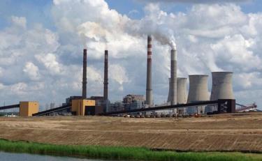 Một nhà máy nhiệt điện than ở Kentucky, Mỹ.