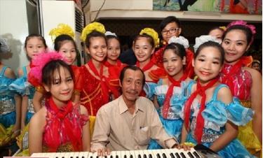 Trong sự nghiệp sáng tác, nhạc sĩ Hà Hải có nhiều bài hát dành cho thiếu nhi nổi tiếng.
