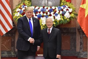Tổng Bí thư, Chủ tịch nước Nguyễn Phú Trọng tiếp Tổng thống Donald Trump.