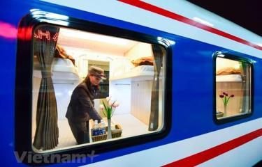 Ngành đường sắt tiếp tục triển khai thêm ứng dụng mua và thanh toán vé tàu trên điện thoại nhằm gia tăng tiện ích cho hành khách có nhu cầu đi tàu.