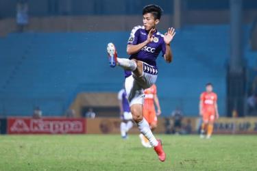 Đoàn Văn Hậu chỉ có thể thi đấu cho Hà Nội FC ở V-League 2020 trong thời gian tới.