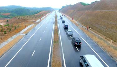 The road linking National Highway 32C with Noi Bai-Lao Cai Expressway