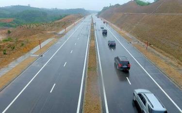 Công trình đường nối quốc lộ 32C với đường cao tốc Nội Bài - Lào Cai. (Ảnh: T.L)