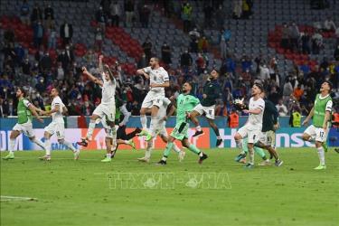Các tuyển thủ Italy mừng chiến thắng xứng đáng trước tuyển Bỉ trong trận tứ kết EURO 2020 trên sân Allianz Arena ở Munich (Đức) ngày 2/7/2021