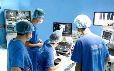 Gây tê thần kinh dưới hướng dẫn của siêu âm tại Bệnh viện Đa khoa tỉnh.