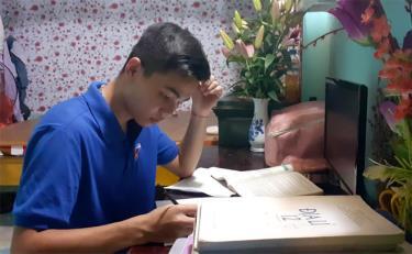 Hoàng Mạnh Tuân - thủ khoa môn Lịch sử tỉnh Yên Bái kỳ thi THPT quốc gia 2019.