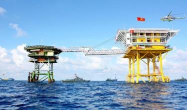 Khu vực nhà giàn DK1, trong đó có Bãi Tư Chính, nằm trong vùng đặc quyền kinh tế 200 hải lý tính từ đường cơ sở của Việt Nam.