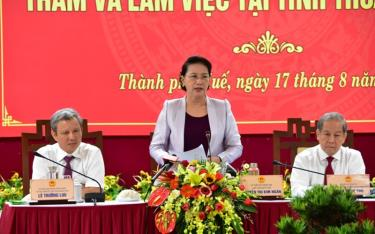 Chủ tịch QH Nguyễn Thị Kim Ngân phát biểu kết luận buổi làm việc.