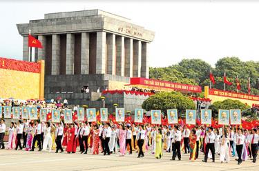 Tinh thần Cách mạng Tháng Tám và Quốc khanh 2/9 bất diệt.