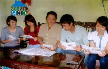 Truyền thông Luật phòng chống Bạo lực gia đình cho giới trẻ tại phường Nguyễn Phúc. (Ảnh: tinbds.com)
