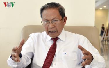 PGS.TS Thiếu tướng Lê Văn Cương - nguyên Viện trưởng Viện Nghiên cứu Chiến lược, Bộ Công an .