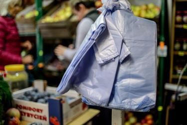 Trung bình một người Ba Lan sử dụng tới 300 túi nilon một năm