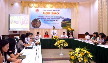 Quang cảnh buổi họp báo tại Hà Nội