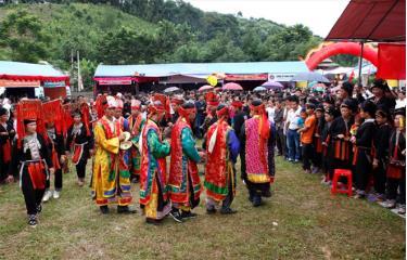 Trang phục truyền thống được sử dụng trong lễ hội của người Dao đỏ.(Ảnh: Thanh Miền)