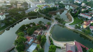 Xanh giữa lòng thành phố Yên Bái.  Ảnh Thanh Miền