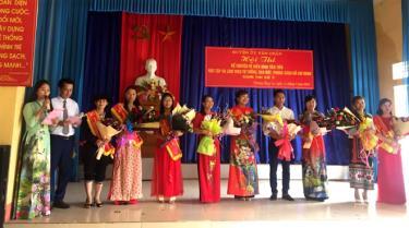 Các thí sinh tham gia Hội thi kể chuyện về Bác Hồ tại cụm thi số 3, vòng thi sơ khảo cấp huyện.