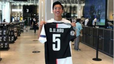 """Báo Thái Lan: """"Đoàn Văn Hậu về nước với áo số 5 của… Juventus"""""""