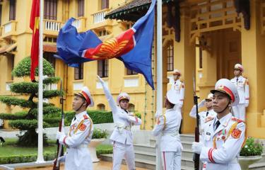 Lễ Thượng cờ kỷ niệm 53 năm Ngày thành lập ASEAN.