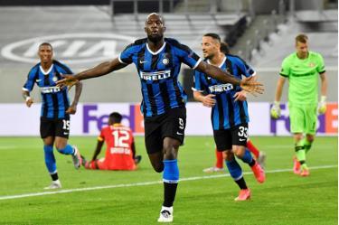 Lukaku đi vào lịch sử Europa League sau chiến thắng của Inter Milan trước Bayer Leverkusen.