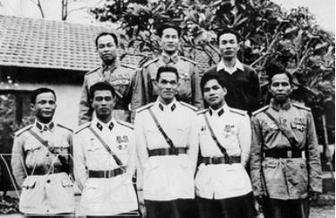 Tập thể cán bộ, chiến sĩ Ban Tham mưu Đoàn 759 thời kỳ đầu thành lập.