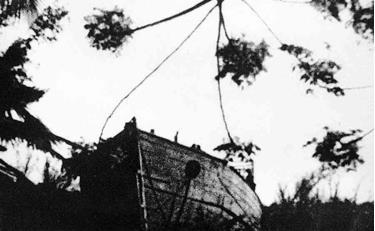 Tàu gỗ gắn máy Phương Đông 1 (do Xưởng đóng tàu I Hải Phòng đóng) chở vũ khí vào Cà Mau thành công (T10/1962)