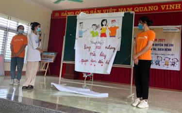 Many messages given by children at the forum in Khanh Thien commune (Luc Yen district).