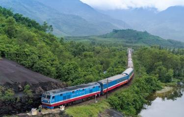 Đường sắt điều chỉnh đổi giờ tàu khách chạy tại một số ga trên tuyến Thống Nhất.